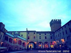 Piazzetta Comunale - Ferrara, Italy. Follow my blog www.fedetails.net please!
