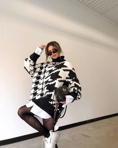 Shared by Find images and videos about fashion, outfit and look on We Heart It - the app to get lost in what you love. Normcore Fashion, Vogue Fashion, Fashion 2020, Look Fashion, 90s Fashion, Girl Fashion, Winter Fashion, Fashion Outfits, Womens Fashion
