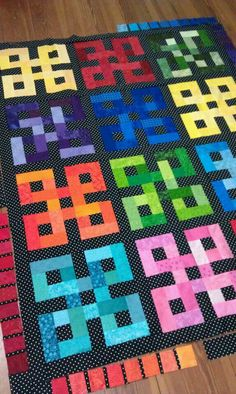rainbow knots quilt - different look when pieces in blocks have less contrast