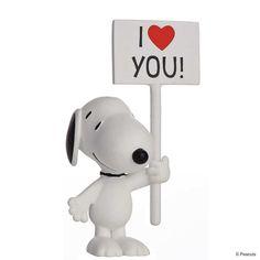 PEANUTS Spielzeugfigur I love Snoopy!    Kein Tag ohne Peanuts und die Widersprüche des Lebens: Fast 50 Jahre lang begeisterte Charles M. Schulz seine Leser jeden Tag mit neuen Geschichten von Pechvogel Charlie Brown, seinem eigensinnigen Hund Snoopy und den anderen kleinen Charakterköpfen aus der Nachbarschaft. Jetzt tritt die ganze Bande wieder in Aktion - bei der exklusiven Peanuts-Serie von...