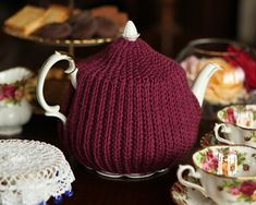 Reversible Crochet Brioche Tea Cosy: Get 10 free #crochet tea cozy patterns…