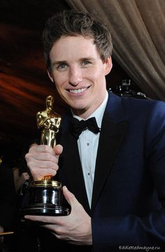 Yay eddie Redmayne!! 2015 Oscar winner for his portrayal of Stephen Hawking in The Theory of Everything.