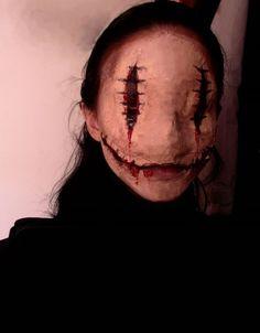 40 Dreadfully Beautiful Makeup Ideas To Try This Halloween | http://www.salongenie.net/blog/40-dreadful-makeup-idea-for-halloween/