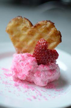 Sugar for Valentine& Day - hearty waffles Smoothies, Waffles, Raspberry, Valentines Day, Brunch, Sugar, Fruit, Breakfast, Milkshakes