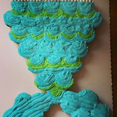 Mermaid tail cupcake cake Miahs Mermaid Party Pinterest