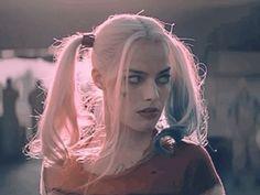 What? #HarleyQuinn #SuicideSquad #MargotRobbie