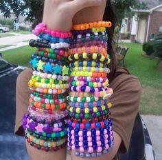 scenecore Pony Bead Bracelets, Kandi Bracelets, Pony Beads, Scene Kids, Emo Scene, Pulseras Kandi, Kandi Patterns, Stitch Patterns, Rainbow Aesthetic