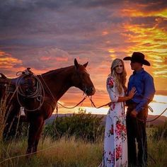 Fabulous Wedding Photography Secrets And Ideas Country Engagement Photos Dream pic - Wedding Photography Poses, Couple Photography, Country Engagement Photography, Photography Ideas, Western Engagement Photos, Engagement Pics, Fall Engagement, Country Couples, Wedding Pictures