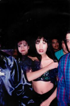 Selena Quintanilla Perez, Selena And Chris, Selena Pictures, 90s Party, I Miss Her, Hailee Steinfeld, Rare Photos, 90s Fashion, Music Artists