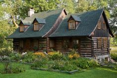 A lovely little cozy cabin...this is my dream house. Where I can cuddle with my future husband alllll day.  :)