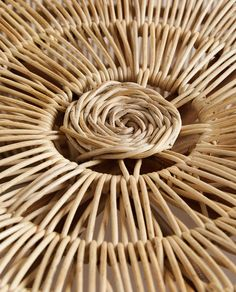 MASĂ DIN RATAN Zara Home, Boho Diy, Wicker Baskets, Table, Home Decor, France, Texture, Bag, Pattern