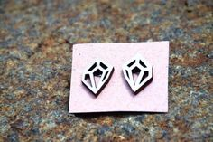 Geometric wood earrings, made with sterling silver. Wood Earrings, Enamel, Sterling Silver, Trending Outfits, Unique Jewelry, Handmade Gifts, Accessories, Etsy, Kid Craft Gifts