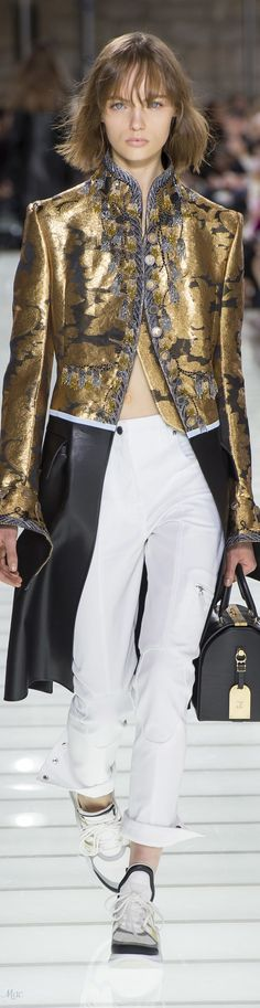 Spring 2018 RTW Louis Vuitton