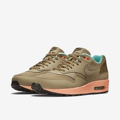 Nike Air Max 1 FB herenschoen, i want these even if it says men's shoes..