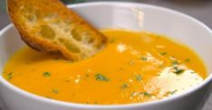 Roasted Butternut Squash Soup is the perfect dish to warm you up on a cold winter night. Here's a simple and delicious way to prep the squash and make the soup! Roasted Butternut Squash Soup, Paella, Soup Recipes, Cooking Recipes, Veggie Recipes, Fall Recipes, Recipies, Toasted Pumpkin Seeds, Salads