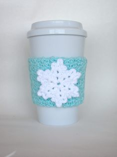 Crochet Snowflake Cup Cozy White and Robin's Egg Blue Crochet Coffee Cozy, Coffee Cup Cozy, Crochet Cozy, Crochet Winter, Holiday Crochet, Christmas Knitting, Crochet Gifts, Free Crochet, Hot Coffee