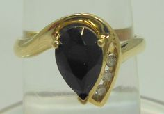 10k Yellow Gold Onyx Diamond Ring size 6.75