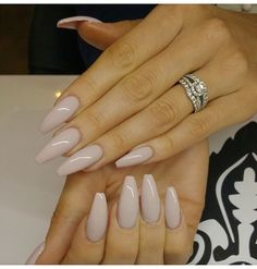 Nails / love the color and shape