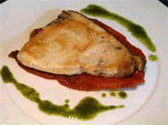 Una receta infalible de #Carbochef : Emperador con pimiento asado ;) #cocina Spanish, Pork, Chicken, Meat, Cooking, Emperor, Kale Stir Fry, Spanish Language