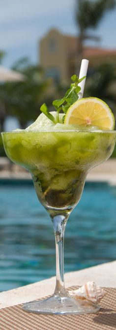What is your favorite thing to drink at Hacienda Tres Rios? Green juice, a mojito, a #margarita? Cheers!