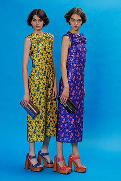RESORT 2013: coleções reiteram presença de tons vibrantes no guarda-roupa em estampas e looks monocromáticos |