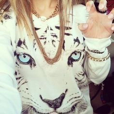 This is cool.....I don't usually like these animal face shirts- but this one is super cool.