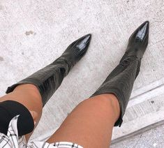 Pictures Of High Heels, Heeled Boots, Shoe Boots, Shoe Selfie, Pretty Shoes, Ladies Shoes, High Boots, Sally, Women Accessories