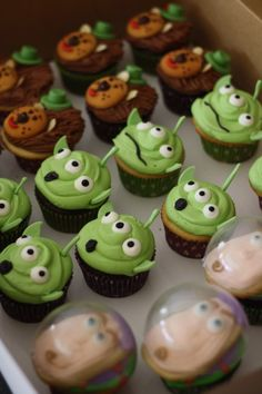 Toy Story Cupcakes: Buzz Lightyear and Aliens