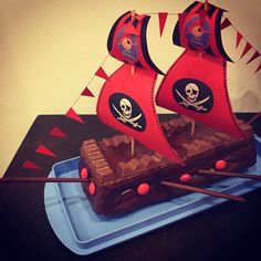 "Gefällt 45 Mal, 6 Kommentare - Sarah P. (@sarahp089) auf Instagram: ""#piraten...  #asarahp089 #auf #gefallt #instagram #kommentare #mal #piraten #sarah #sarahp089 #vatertag Pirate Food, Pirate Kids, Pirate Theme, Kids Party Decorations, Party Themes, 4th Birthday, Birthday Parties, Pirate Birthday Cake, Birthday Ideas"