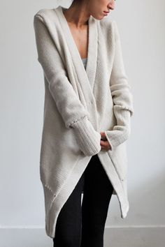 purlonpearl:  (via Traci French | Mary Kate Hand Loomed Chunky Merino Cardigan by Souchi on Luvocracy)