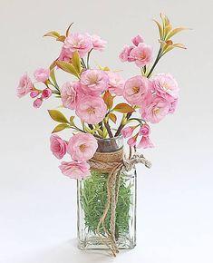◇ シュシュフルールアドバンス講座 ◇ 八 重 桜 (株)パジコさんの造形教室、アートファクトリーにて講習会をさせていただいております。(*^.^*) 第2金曜日クラス『シュシュフルールアドバンス講座』は『八重桜を』作ります。 今回は、枝も丁寧に作りますので、枝ぶりの大き...