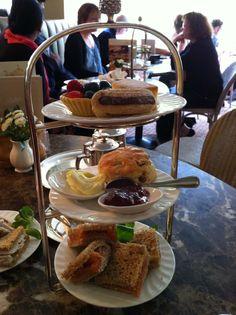 Old school afternoon tea - Betty's Cafe Tea Rooms - Harrogate, Harrogate