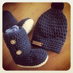 littlebirdiecrochet #crochet baby set booties and beanie
