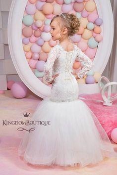 Estilo marfil Sirena Vestido de Florista de por KingdomBoutiqueUA