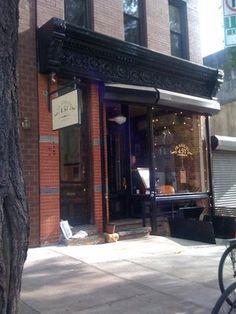 Frankies 457 - 457 Court St (between 4th Pl & Luquer St), Brooklyn, NY 11231 (Neighborhood: Carroll Gardens)