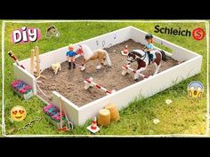 Toy Horse Stable, Schleich Horses Stable, Horse Stables, Breyer Horses, Horse Barns, Diy Horse Toys, Horse Crafts, Miniature Horse Tack, Horse Birthday Parties