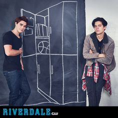 Ma two favourite guys on the set of Riverdale (Archie and Jughead). You can watch Riverdale every Friday on Netflix (in the UK) Kj Apa Riverdale, Watch Riverdale, Riverdale Archie, Riverdale Funny, Riverdale Cast, Jughead Jones Aesthetic, Cole Spouse, Cw Tv Series, Riverdale Cole Sprouse
