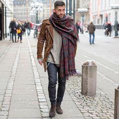 fefb0d4142cb Tricoter une écharpe pour homme s habiller bien Tricot Écharpe Homme, Mode  Masculine, Grosse