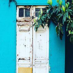 Old wood Front Door in Santiago de Chile by @laciudadalinsta   © Disfrutemos nuestras calles :) salga con lluvia, respire… Fresco, Knock Knock, Instagram, Windows, Doors, Photo And Video, World, Santiago, Rain
