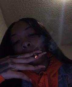 Boujee Aesthetic, Badass Aesthetic, Bad Girl Aesthetic, Aesthetic Pictures, Girl Smoking, Smoking Weed, Fille Gangsta, Thug Girl, Hood Girls