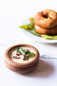 Coconut Chutney is one of the most popular chutneys in India. It is generally served with South Indian dishes like Idli, Medu Vada, Dosas, etc. North Indian Recipes, South Indian Food, Indian Food Recipes, Yummy Snacks, Snack Recipes, Delicious Recipes, Indian Chutney Recipes, What Is For Dinner, Food Hacks