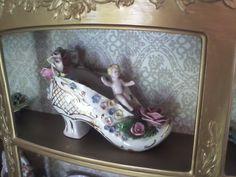 Porcelain shoe - heirloom