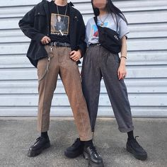 graphic tee and highwaters are my current style Grunge Outfits, Edgy Outfits, Grunge Fashion, Fashion Outfits, Fall Fashion, Streetwear Mode, Streetwear Fashion, Couple Outfits, Looks Cool