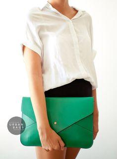Sac à main oversize enveloppe embrayage.    Notre élégante enveloppe Clutch purse est le complément parfait pour nimporte quelle tenue dagenda. Il