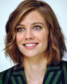Lauren Cohan Beautiful Eyes, Beautiful Women, Lauren Cohen, Maggie Greene, Celebs, Celebrities, Beautiful Actresses, Celebrity Crush, Cute Hairstyles