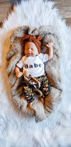 Baby Girl Fall Outfits, Baby Girl Pants, Newborn Girl Outfits, Girls Pants, Baby Girl Fashion, Kids Fashion, Girls Coming Home Outfit, Take Home Outfit, Baby Knitting