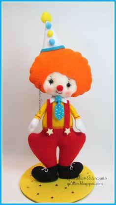 Felt clown  handmade by Gracinhas Artesanato Noia Land Pattern