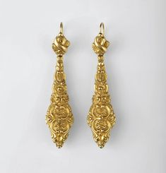 Portuguese 19th century hollow gold earrings in the romantic style
