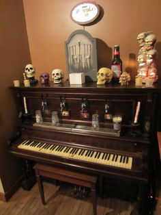 I see your Piano Fountain and Beer Tap Fountain and raise you my Beer Tap Piano. The Piano Bar Kegerator - Imgur