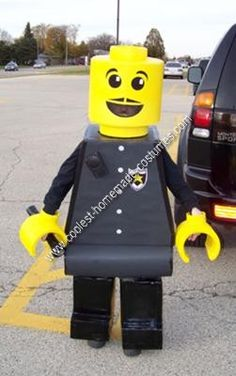 Homemade Lego Minifigure Costume: Last Halloween after finishing my son's awesome robot costume, I quickly came up with the idea to create a Homemade Lego Minifigure Costume. There are